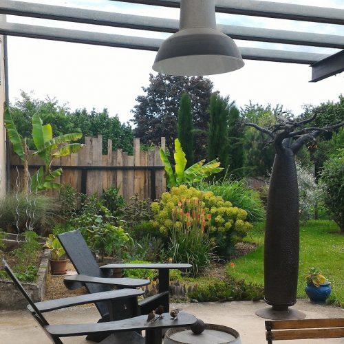 terrasse abritée plancha barbecue grand jardin piscine detente été vacances dordogne perigord