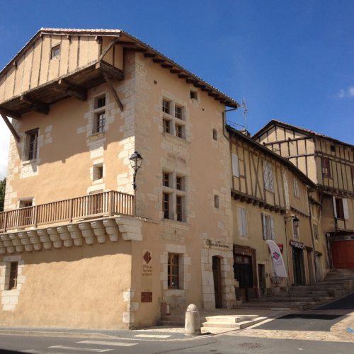 Patrimoine Dordogne Périgord gite piscine chauffée 10 personnes sport loisir culture